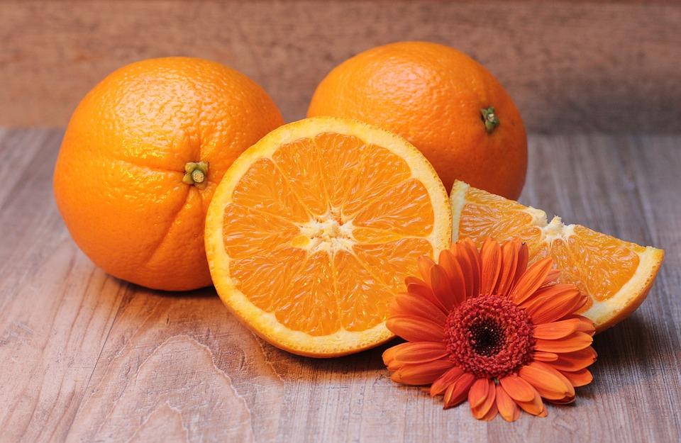 pomeranče s květem
